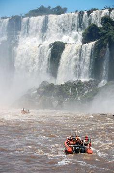 paseo en lancha por Las Cataratas del Iguazu, Misiones, Argentina