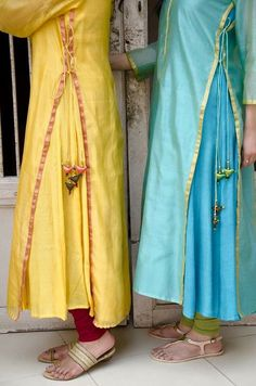 clothes and outfits Salwar Designs, Blouse Designs, Pakistani Dresses, Indian Dresses, Indian Outfits, Kurta Patterns, Dress Patterns, Indian Attire, Indian Ethnic Wear