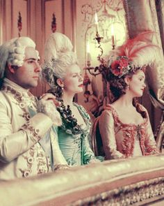 Kirsten Dunst - Marie-Antoinette - Versailles - Rococo - Baroque.  Keeping it pale and wrinkle free.