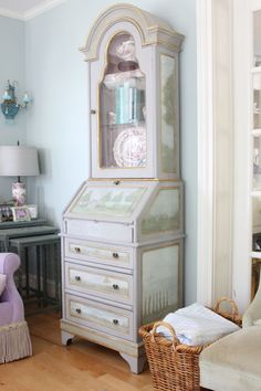 Gustavian style is so pretty! Gustavian is Swedish with a French influence, which began when King Gustav III started hanging out in . Vanity Table Vintage, Secretary Desks, Lilac Color, Paint Stain, How To Look Pretty, Bedroom, Inspired, House, Painting
