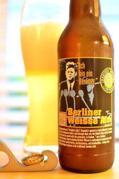 Crabtree Brewing Company Berliner Weisse Ale, 22 oz., 4.3% ABV, 8.8 IBUs. Das ist köstlich!
