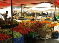 Picture via My New Roots.  I love a farmer's market!
