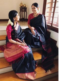 Want to know how to style your traditional black sarees in most perfect way? Do check out these inspiring sarees styles. Kanchipuram Saree, Handloom Saree, Silk Sarees, Saris, Organza Saree, Chiffon Saree, Indian Designer Outfits, Indian Outfits, Black Saree