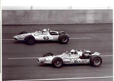 (45) Ronnie Bucknum - Weinberger Homes Eagle Offenhauser - Weinberger & Wilseck - (36) Dennis Zimmerman - Bulldog Stables Gerhardt Chevrolet - Buzz Harvey - 1968 Michigan Inaugural 250 - USAC Champ Car Series, round 25