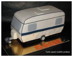 Quellbild anzeigen Fancy Cakes, Cute Cakes, Fondant, Converse Cake, Caravan Cake, Slab Cake, Camping Cakes, Anna Cake, Vintage Caravans