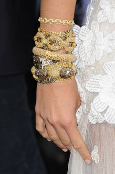 Chanel Baubles on Blake Lively.Must duplicate. I wish I had a few of these in my jewelery box. Bracelet Chanel, Chanel Jewelry, Cuff Bracelets, Gold Bangles, Pearl Bracelet, Luxury Jewelry, Jewelry Accessories, Fashion Accessories, Fashion Jewelry