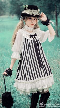 Clown girl of the Circus: Also in: White x Black x White Sleeves OP andBlack x White x Black Sleeves OP From Angels Heart on Taobao and W...