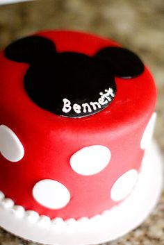 Mickey Cake Bryant Bryant Martin I loove this one! Mickey Mouse Smash Cakes, Minnie Y Mickey Mouse, Mickey Cakes, Mickey Mouse Parties, Mickey Party, Minnie Cake, Baby 1st Birthday, Mickey Mouse Birthday, Birthday Ideas