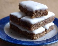 Desserts Recipes An Avdentstraum in innocent protein: hazelnuts, spices, lemon and Zuc … Tea Recipes, Baking Recipes, Cookie Recipes, New Dessert Recipe, Dessert Recipes, Cake Recipe Using Buttermilk, Torte Au Chocolat, French Vanilla Cake, Cake Recipes From Scratch