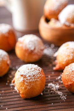 When it comes to deep fried desserts for breakfast, this Zeppole Italian Doughnuts recipe is one you can& miss! Zeppoli Recipe, Deep Fried Desserts, Easy Desserts, Dessert Recipes, Italian Donuts, Italian Pastries, Italian Cookies, Italian Cake, Cookies
