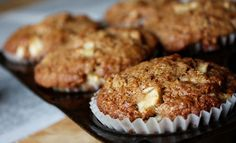 Sugar Free Apple and Cinnamon Muffins Very delicious apple and cinnamon muffins, great sweet treat to any person who suffer form diabetes. Apple Cinnamon Muffins, Cinnamon Recipes, Cinnamon Apples, High Protein Muffins, Most Nutritious Foods, Cupcakes, Diabetic Desserts, Sweet Treats, Yummy Food