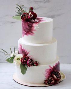 Hochzeitstorte – Hochzeitstorten – – Rebel Without Applause Burgundy Wedding Cake, Floral Wedding Cakes, Fall Wedding Cakes, Beautiful Wedding Cakes, Wedding Cake Designs, Beautiful Cakes, Wedding Gowns, Boho Wedding, Bolo Nacked
