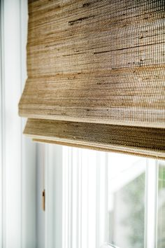 This type of living room drapes is honestly a superb design principle. Bamboo Roman Shades, Woven Wood Shades, Woven Blinds, Bamboo Blinds, Blinds For Windows, Curtains With Blinds, Window Blinds, Valance, Design Room