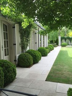 Backyard topiary by no means goes out of fashion. Topiary creates construction, formality and. , Backyard topiary by no means goes out of fashion. Topiary creates construction, formality and. Backyard topiary by no means goes out of fashion. Landscape Edging Stone, Landscape Design, House Landscape, Path Design, Landscape Architecture, Landscape Stairs, Front Garden Landscape, Architecture Graphics, Landscape Fabric