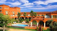 Palmyra Golf Hotel Cap d'Agde The Palmyra Golf Hôtel is located on the edge of the 27 holes Cap d'Agde Golf Club. This Mediterranean style 4-star hotel was renovated in January 2014 and offers air-conditioned accommodation and a wellness and fitness centre, 1 covered heated...