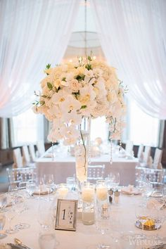 #dreamwedding #whiterunway Luxury wedding tablescape - white party table setting - Glam wedding ideas