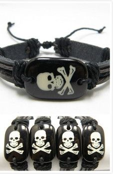 UNISEX Skull Bracelet Hip Hop Trendy and Styish.