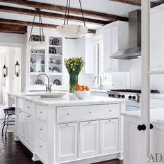 How Do You Paint a Tudor Style Home?