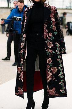 Women's coats – High Fashion For Women Look Fashion, High Fashion, Fashion Outfits, Womens Fashion, Fashion Design, Fashion Fall, Fall Outfits, Fashion Trends, Fashion News