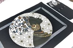 Black Table Mat Set, Cutlery Holder #Black #Modern #CutleryHolder #AmericanServices #dinnercloths #hometex #bohem #serviette #design #hometextile Cutlery Holder, Black Table, Home Textile, Design, Etsy, Silverware Holder, Black Desk