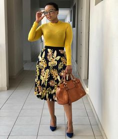 Dress work attire Yellow blouse and floral skirt Wandschrank Corporate Fashion, Corporate Attire, Business Casual Attire, Business Fashion, Modest Wear, Modest Outfits, Dress Outfits, Classy Work Outfits, Chic Outfits