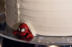 When Geeks Wed: just a touch of geek to your wedding cake ;)
