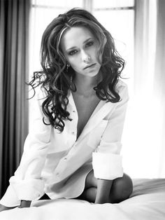Jennifer Love Hewitt fully naked at Largest Celebrities Archive! Top Celebrities, Beautiful Celebrities, Beautiful Actresses, Celebs, Jennifer Amor, Jennifer Love Hewitt Body, Jeniffer Love, Glamour Photo, Jennifer Connelly