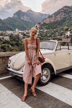 Leonie Hanne - Time to get on the road for more Italian summer memories. 🇮🇹 Anzeige / See where I'll go and how I plan my travels with on stories. Easy Style, Ohh Couture, Vw Cabrio, Leonie Hanne, Italy Summer, Travel Outfit Summer, Summer Travel Fashion, Amsterdam Fashion Summer, Europe Outfits Summer