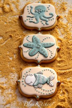 Cute Coastal Cookies via Blau Kitchen. These are simply adorable!