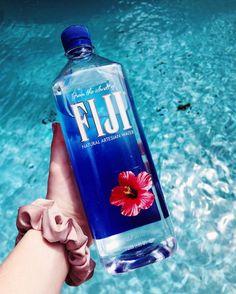 @strangertumblr ☆ #vsco #scrunchie #beach #photography #summer #vibes #repin #water #fiji #bottle #blue Water Aesthetic, Blue Aesthetic, Dream Collage, Wall Collage, Ads Creative, Fiji Water Bottle, Cute Backgrounds, Oil Bottle, Best Friend Goals