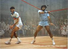 Jahangir and Jansher Khan, the legendary squash champions from Pakistan. During the 1980's Jahangir (on the right) had a 5-year stretch of 555 unbeaten matches!
