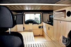 Land Rover Defender Camping, Defender Camper, Landrover Defender, Van Conversion Interior, Camper Conversion, Landrover Camper, Mercedes G Wagen, Caddy Maxi, Off Road Camping