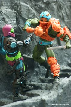 Man-At-Arms versus Trapjaw  by Clarkent78 (Jeff Quillope) via Flickr