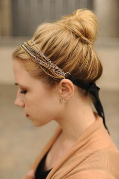 Necklace as a head band