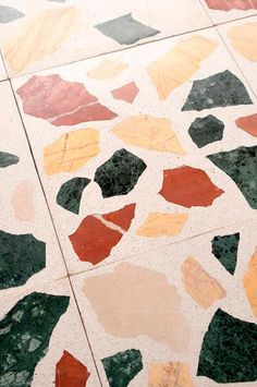 Modern terrazzo tiles with large multicoloured marble chips in red, yellow, green and pink from Mosaic Factory TERRAZZO MARBLE LARGE collection Floor Design, Tile Design, Terrazzo Flooring, Marble Floor, Marble Tiles, White Walls, Textures Patterns, Exterior Design, Wall Murals