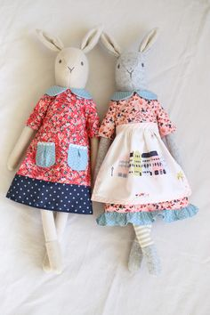 katy living, stitch and sprig, textile dolls, heirloom textile dolls, textile ra. Fabric Toys, Fabric Crafts, Paper Toys, Fabric Animals, Homemade Toys, Cat Doll, Sewing Dolls, Little Doll, Fairy Dolls