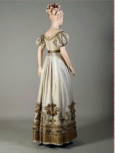 Court or Evening dress ~ (c.1810-25)