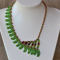 Green Fern Necklace Pattern | Bead-Patterns.com