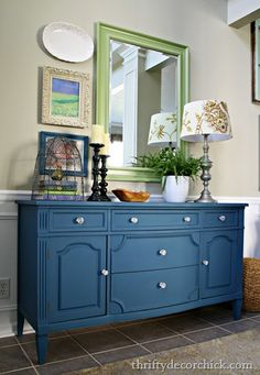 Annie Sloan aubusson blue chalk paint dresser- love this blue color - Home Decor Ideas Refurbished Furniture, Repurposed Furniture, Furniture Makeover, Blue Painted Furniture, Hutch Makeover, Dresser Makeovers, Distressed Furniture, Navy Blue Furniture, Painted Sideboard