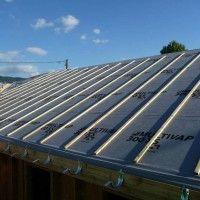 Prix d'un écran de sous toiture : http://www.maisonentravaux.fr/toiture-couverture/toit-tuile-ardoise-zinc/prix-ecran-sous-toiture/