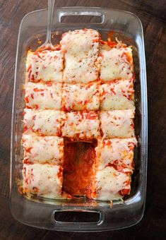 Try my Pepperoni Pizza Lasagna Roll Ups recipe for an easy, delicious family dinner! Make these easy lasagna roll ups in under 30 minutes with lasagna noodles, pepperoni slices, marinara sauce, ricotta, and mozzarella cheese. Can make ahead and freeze too! #lasagna #dinner #easyrecipe Pizza Lasagna, Lasagna Rolls, No Noodle Lasagna, Lasagna Noodles, Pizza Rolls, Pepperoni Rolls, Pepperoni Recipes, Roll Ups Recipes, Deserts