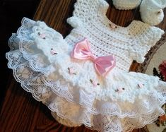 Crochet baby dress White crochet Rosebud baby dress set for us. Beau Crochet, Baby Girl Crochet, Crochet Baby Clothes, Crochet For Kids, Crochet Baby Dresses, Crochet Ruffle, Newborn Crochet, Crochet Hats, White Baby Dress