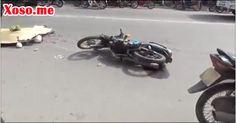 Bình Dương: Container va chạm với xe máy, 2 mẹ con thương vong