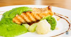 Grilled Salmon with Creamy Pesto Sauce http://www.1mrecipes.com/grilled-salmon-with-creamy-pesto-sauce/