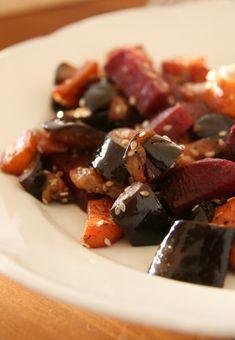Legújabb receptünk egy könnyen elkészíthető, ám mégis különleges köret, mely kiválóan passzol sült húsok, halak mellé! Gluténmentes köret recept. Beef, Chocolate, Food, Meat, Essen, Chocolates, Meals, Brown, Yemek
