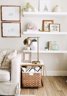 Sharing my easy decorating tips for filling a blank wall space.