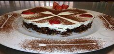 ΤΟΥΡΤΑ ΣΟΚΟΛΑΤΑ ΜΕ ΚΟΡΝ ΦΛΕΙΚΣ ΚΑΙ ΦΡΟΥΤΑ ΕΠΟΧΗΣ | athensgo Tiramisu, Cooking Recipes, Cake, Ethnic Recipes, Desserts, Athens, Food, Tailgate Desserts, Deserts