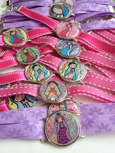 Christening and Communion First Communion Favors, Communion Gifts, First Holy Communion, Fiesta Party Favors, Fabric Necklace, Little Princess, Christening, Jewelry Crafts, Party Themes