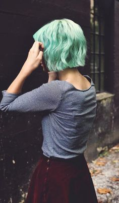 Grunge Short Hair Style with Dyed Green Pastel Hair…