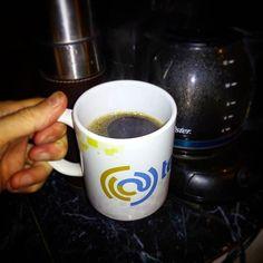 Lunes...café.. Buenos días.. Feliz semana!
